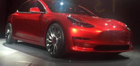 Candy Red Tesla Model 3.jpg - Image - Wikimedia | Wiki commons