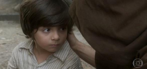 Theo de Almeida Lopes na cena em que Quinzinho falou pela primeira vez em 'Novo Mundo'