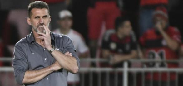 Mancini é mais um técnico a cair no Brasileirão