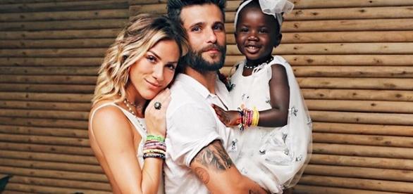 Casal famoso já havia adotado uma criança estrangeira, mas agora pretende adotar no Brasil