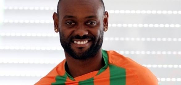O jogador tem 33 anos é o artilheiro do Campeonato Turco (Foto: Reprodução)