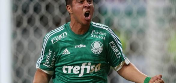 Cristaldo hoje veste a camisa do Monterrey. ( Foto: Reprodução)