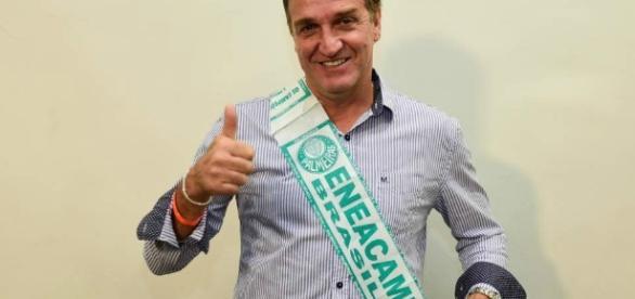 Cuca, técnico do Palmeiras, ficou sabendo de contato com jogador