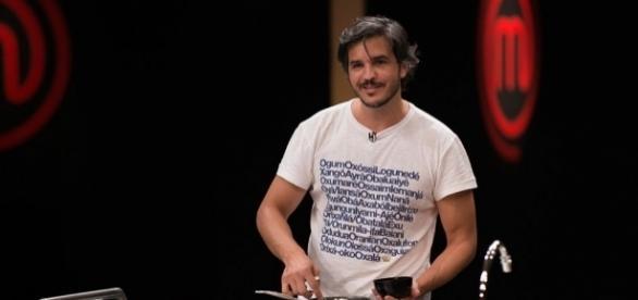 Fabrizio: bolo bonito, mas com erro na massa após 30 minutos de prova