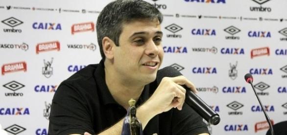 Na última coletiva, Euriquinho afirmou que o Vasco vai contratar jogadores