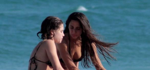 Bruna Linzmeyer e a namorada, Priscila Visman (Foto: Google)