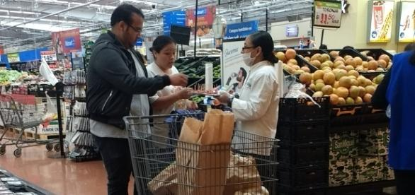Las demostradoras pasan cerca de 10 horas de pie, entre el traslado a su lugar de trabajo y durante su estancia en la tienda.