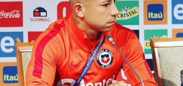 Meia Chileno Léo Valencia, que está negociando com o Vasco