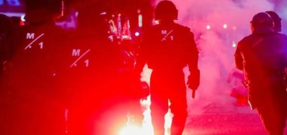 Polizei in Hamburg löst Demonstrationen auf - Ruhr Nachrichten - ruhrnachrichten.de