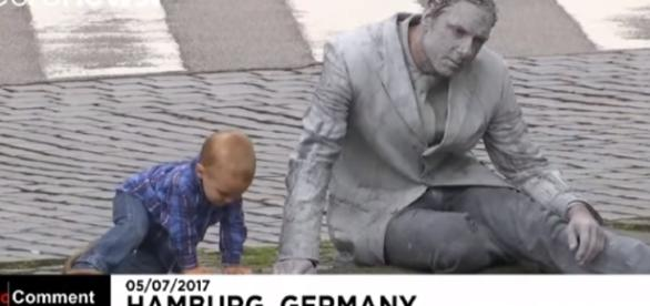 'Zombie March' hits Hamburg ahead of G20 summit (Image credit No Comment TV/ Youtube