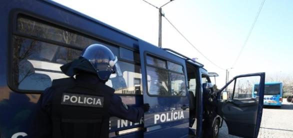 Agentes do Corpo de Intervenção da PSP foram alvo de tentativa de agressão