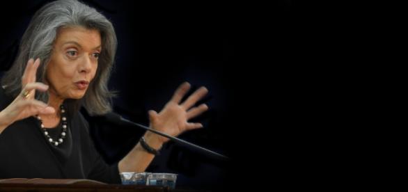 Presidente do STF, Cármen Lúcia, comentou sobre situação 'inusitada' durante trajeto de carro na capital mineira