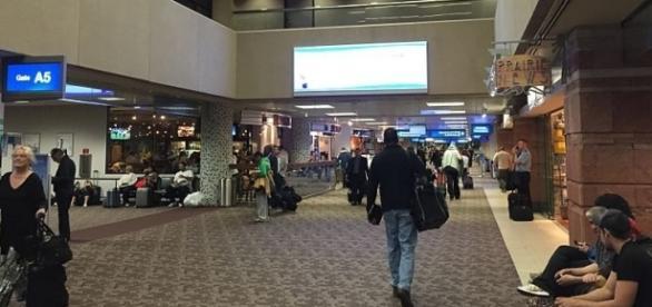 Terminal 4 at Phoenix Sky Harbor International Airport, Arizona (wikimediacommons)