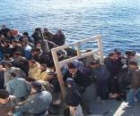 Migranti con i polpastrelli abrasi e decine di identità