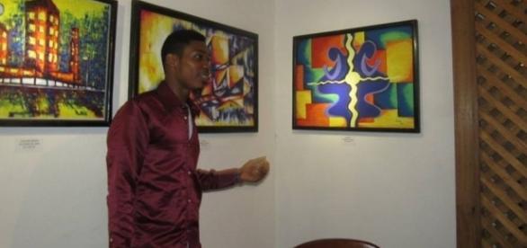 L'artiste plasticien camerounais Onana Amougui Juste Constant (c) Gérard Ngan