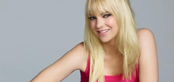 Anna Faris was reportedly insecure of Chris Pratt's closeness to Jennifer Lawrence. (via Facebook/ Anna Faris)