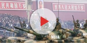Mezzi corazzati cinesi in parata a Pechino