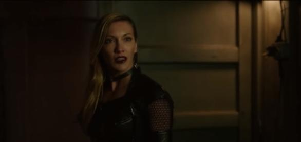 Arrow 5x22-Black Siren and Quentin - YouTube/NDT TvClips Reborn