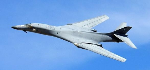 B-1B Bombwe (United States Air Force wikimedia)