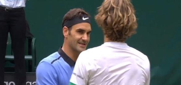 Federer and Zverev in 2017 Halle final/ Photo: screenshot via ATPWorld Tour channel on YouTube
