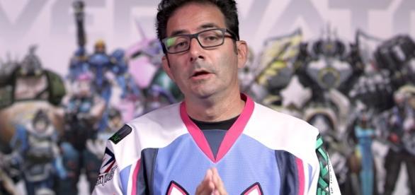 'Overwatch' game director Jeff Kaplan wearing his D.Va jersey. (image source: YouTube/PlayOverwatch)