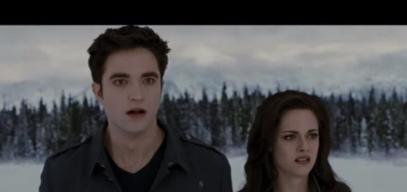 Twilight: Breaking Dawn Part 2 (7/10) Movie CLIP - The Battle Begins (2012) HD - Movieclips/YouTube