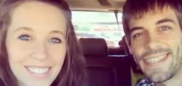 Jill Duggar and Derick Dillard--Image via YouTube/TheFame