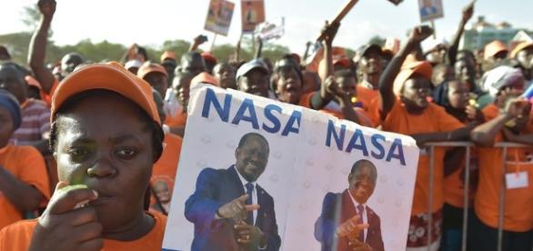 Sostenitori del candidato Odinga a un comizio del partito di opposizione NASA (National Super Alliance) prima delle elezioni (Fonte: lastampa.it)