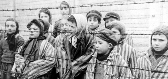 https://commons.wikimedia.org/wiki/File:Child_survivors_of_Auschwitz.jpeg
