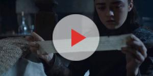 Arya reading Sansa's letter. Screencap: Davos Seaworth via YouTube