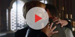 Cersei tells Jamie that she is pregnant with their child. source: AresPromo/youtube
