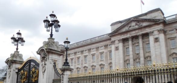 Buckingham Palace, Front Entrance - Youtube screengrab