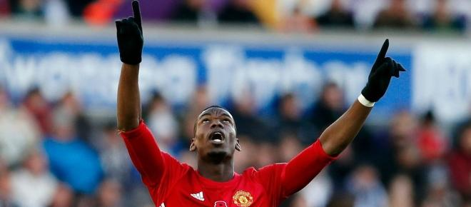 Manchester United beat Swansea 4 - 0, 3 goals scored after the 80' minute
