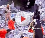 Esecuzione di massa dei prigionieri dell'Isis eseguita con colpi di pistola dai miliziani.Fonte:http://voxnews.info/: