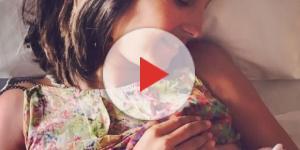 Caterina Balivo allatta la piccola Cora, nata tra il 15 e il 16 agosto