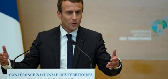 Ce que prévoit Emmanuel Macron pour les collectivités ... - rfi.fr