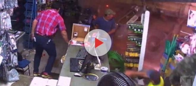 Vídeo mostra carreta atropelando pessoas em loja após perder controle