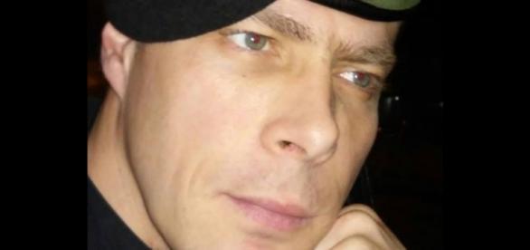 O militar da GNR Hugo Ernano foi agredido à cotovelada por cantor dos Da Weasel