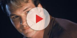 O ator Patrick Swayze em Ghost (1990)