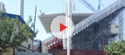 La tribuna dello stadio Ezio Scida.