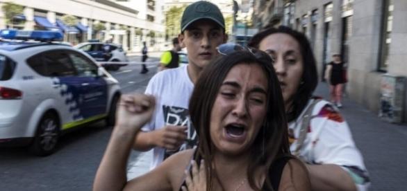 Terror in Barcelona: Bilder vom Geschehen auf Las Ramblas - gmx.at