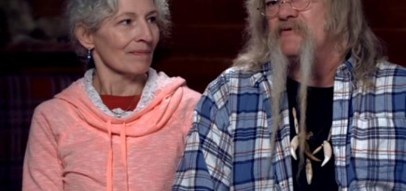 "Bill and Ami of ""Alaskan Bush People"" celebrates 38th wedding anniversary (Discovery / YouTube)"