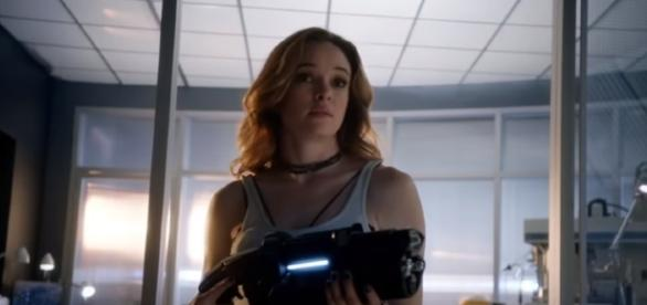 """Caitlin returns to Team Flash in """"The Flash"""" Season 4. (Photo:YouTube/The CW)"""