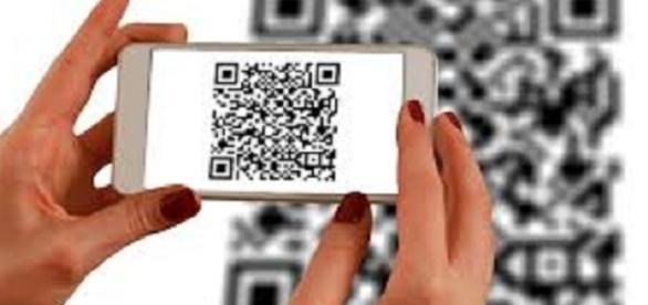 Scanning QR Codes   credit, freegreatpicture.com