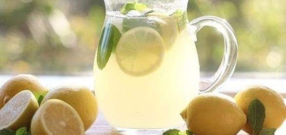 August 20 is National Lemonade Day [Image: Carina Stewart/YouTube screenshot]