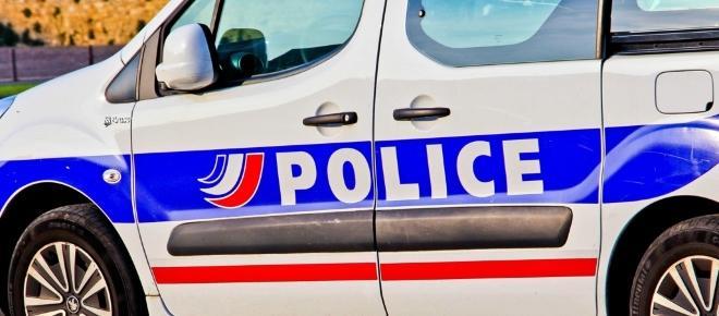 Une voiture fonce sur deux abris-bus à Marseille : un mort