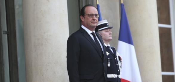 François Hollande tacle Nicolas Sarkozy lors d'un discours - Closer - closermag.fr