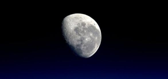 Rusty lunar rock 66095 suggests that Moon's interior is dry [Image: Pixabay]