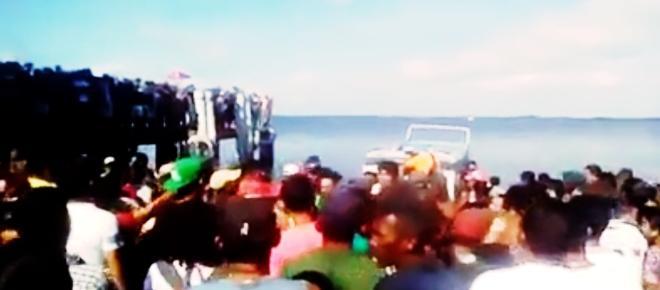 Urgente: barco com 70 naufraga no Brasil e cadáveres aparecem na água