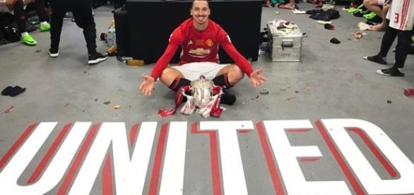 Last season after winning the Community Shield Zlatan and teammates celebrating in locker room- ibrahimovich twitter
